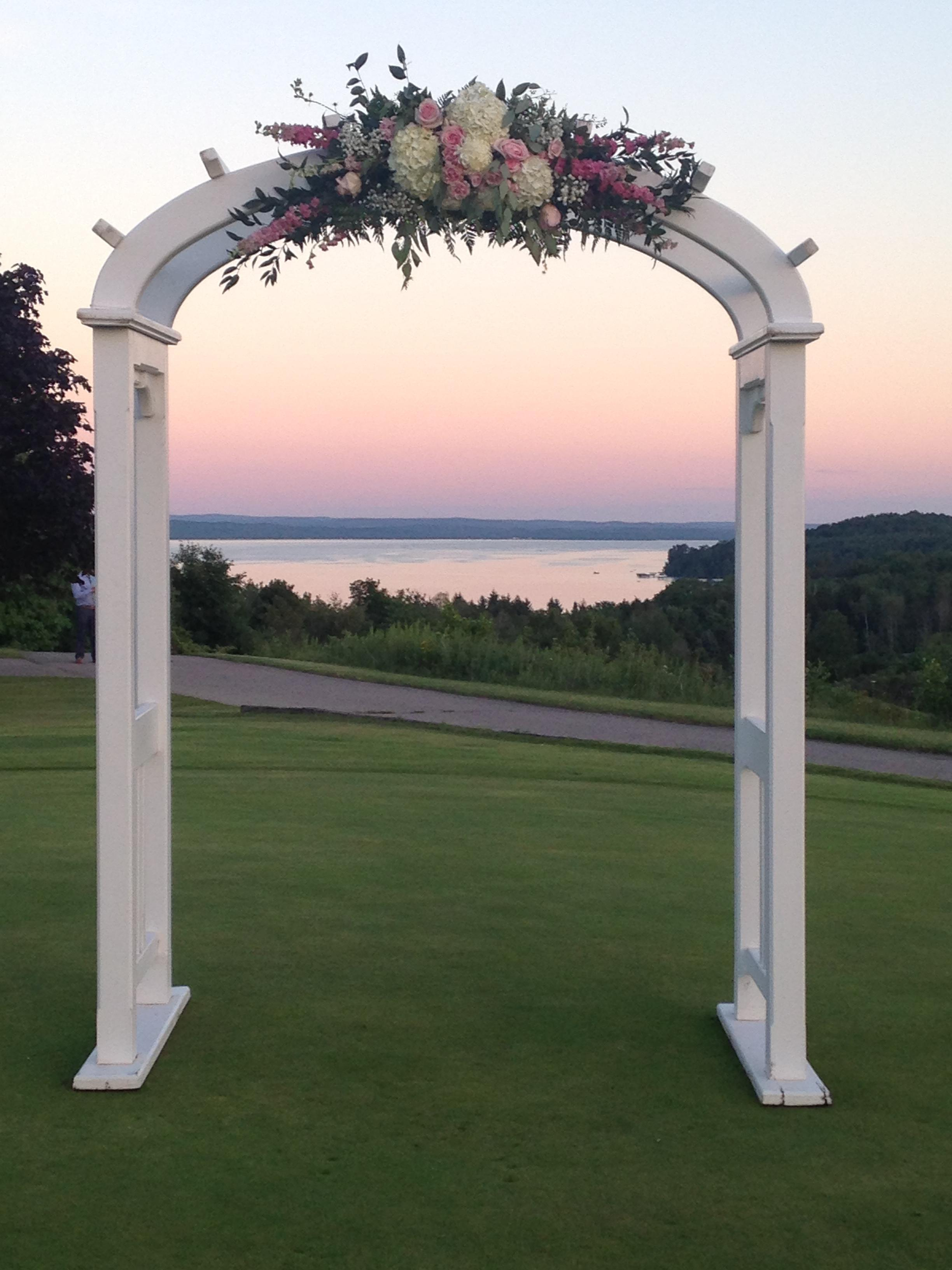 A Ga Ming Is The Perfect Destination For Your Outdoor Wedding Experience Lakeside Views Flowers Blooming Beautifully Ointed Lawns